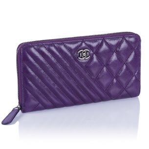 Женский кошелёк Chanel Quilted Zip Wallet violet