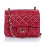 Маленькая красная сумка Chanel Mini Flap Bag