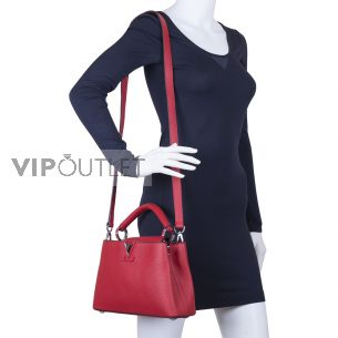 Кожаная сумка Louis Vuitton Capucines BB Rubis